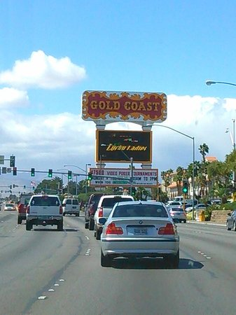 Gold Coast Hotel and Casino: Coming from the Strip