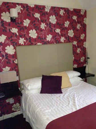 The White House Hotel and Restaurant: Room 15 feature wall
