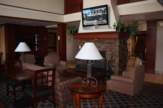Staybridge Suites Grand Rapids/Kentwood: Hotel Lobby