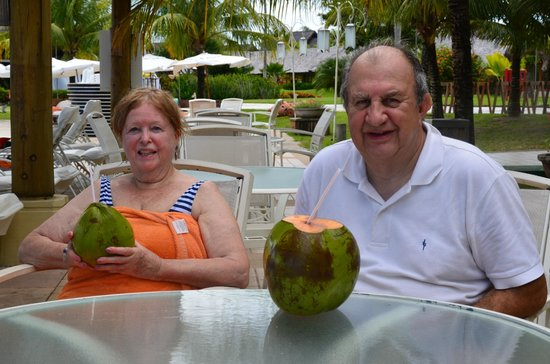 Club Med Trancoso : Disfrutando una leche de coco
