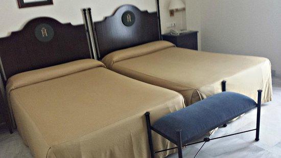 Hotel Duque de Najera: Dormitorio