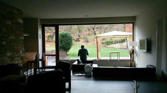Hotel de Floriana: El jefe desayunando con vistas al jardín.