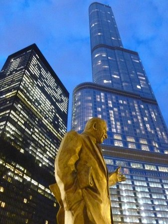 The Langham, Chicago : Hotel and Trump Tower