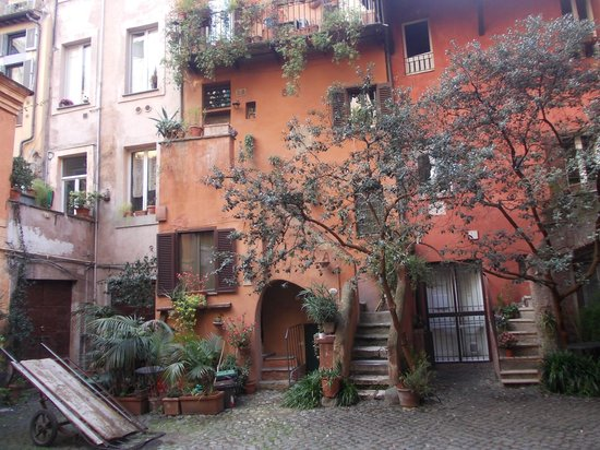 Bellissimo - Picture of Arco degli Acetari, Rome - TripAdvisor