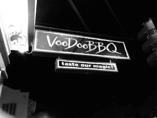 VooDoo BBQ & Grill New Orleans: Street Sign