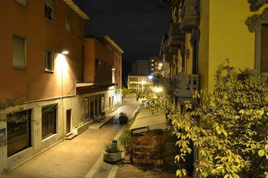 Hotel Nuovo Rondo : Ночной вид с балкона