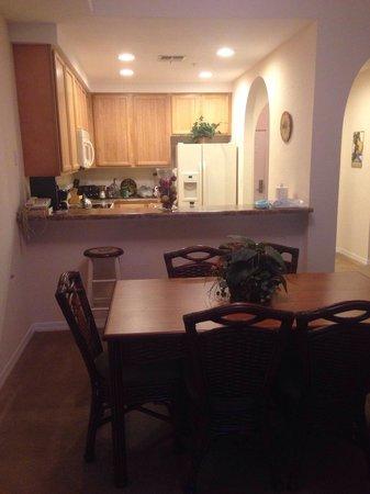 Caribe Cove Resort Orlando: Kitchen (apt 204- building 3)