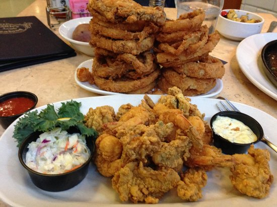 Deanie's Seafood: Onion rings and seafood platter