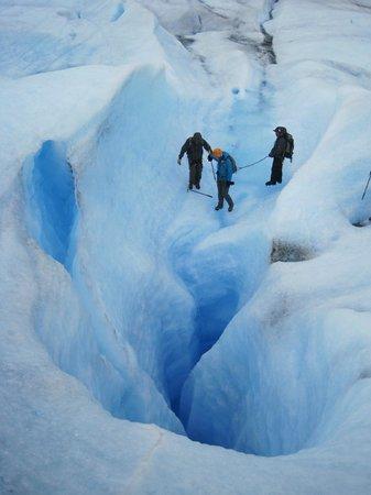 Bigfoot Adventure Patagonia: ice waterfall