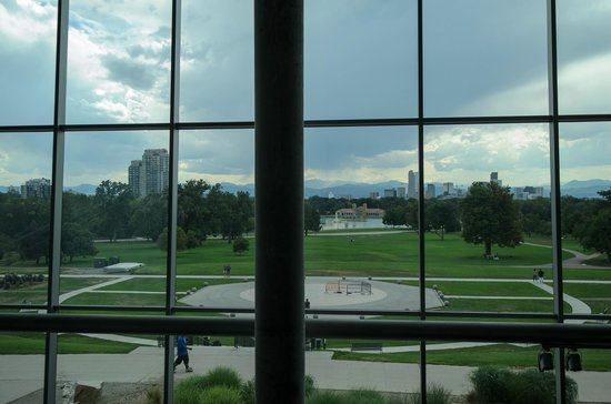 Denver Museum of Nature & Science: Looking out on the green