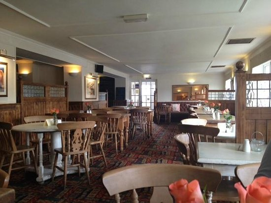 The Chequers at Brize Norton: Part of the restaurant