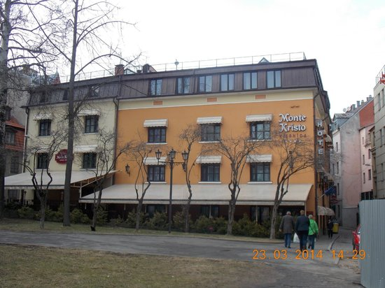 Hotel Monte Kristo: hotel front