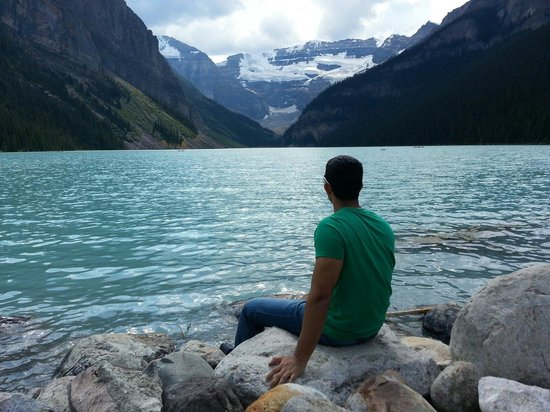 Lake Louise: August 2013. Amazing view.