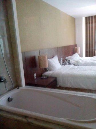 Muong Thanh Grand Nha Trang Hotel : номер