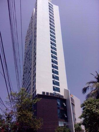 Muong Thanh Grand Nha Trang Hotel : фасад