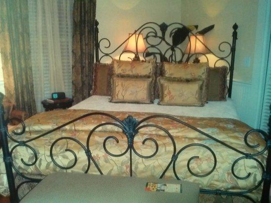 The Cedar House Inn : The Floridian Suite!
