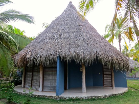 Hotel Hukumeizi: Each indigenous-style house holds two rooms