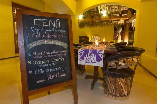 Las Palmas Beachfront Villas: Agave Restaurant