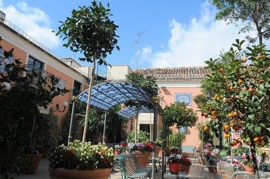 Hotel Villa Romeo : terrazza solare!