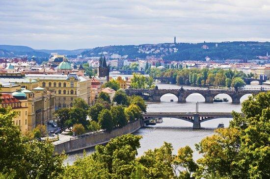 Prague (94688997)