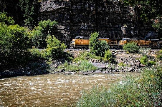 Glenwood Canyon Bike Trail : Glenwood Canyon