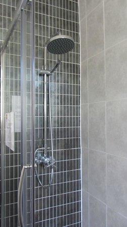 The Coquetvale Hotel: Bathroom