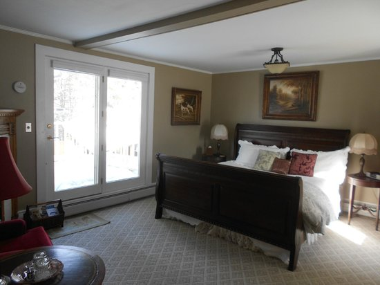 Eastman Inn : Room 11, Premium King Room with Private Deck