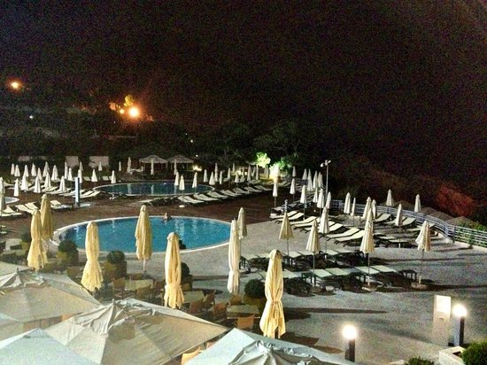 Grande Real Santa Eulália Resort & Hotel Spa : View of Pool from Bar Balcony
