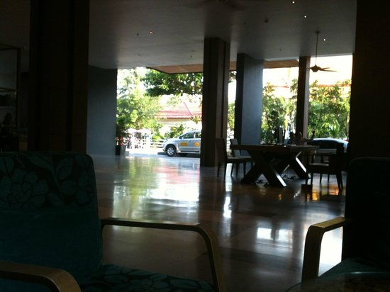Holiday Inn Express Phuket Patong Beach Central: lobby