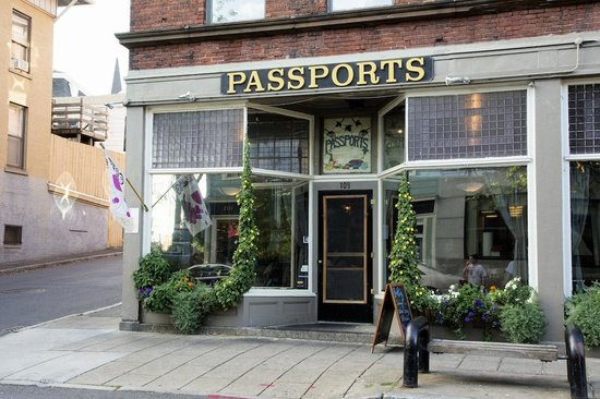 Passports Restaurant: Outside
