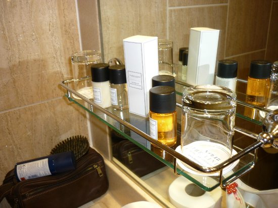 The Liner Hotel: Excellent free toiletries