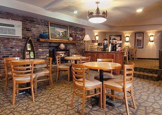 Econo Lodge Cherokee: Lobby