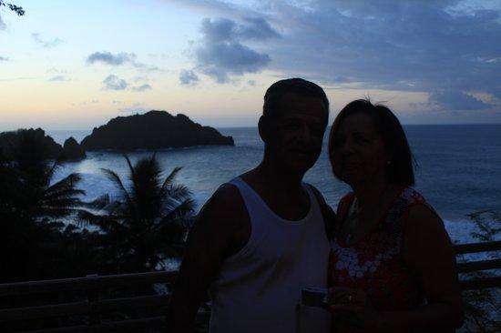 Bar do Cachorro: Meus pais felizes com o por do sol