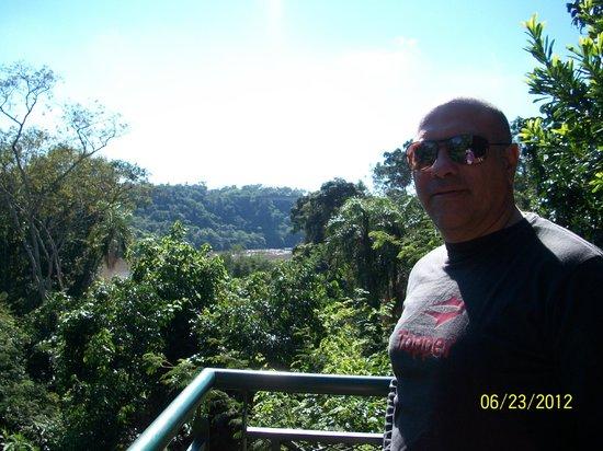 Iguazu Jungle Lodge: vista de la selva y el rio desde el balcon de la habitacion