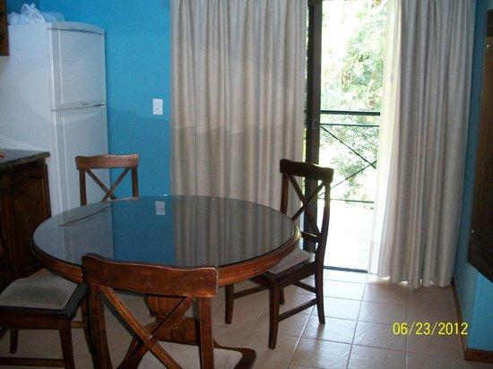Iguazu Jungle Lodge: comedor con balcon y parrilla