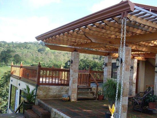 Finca Paraiso Mountain Retreat near San Jose Airport: Terraces