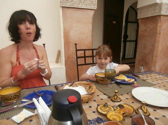 Riad Lea : Petits déjeuner en famille