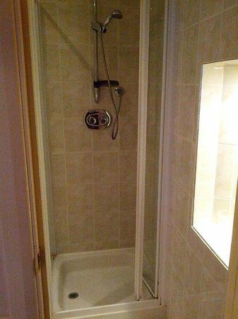 The Maranton House Hotel: buona doccia (c'è il miscelatore)