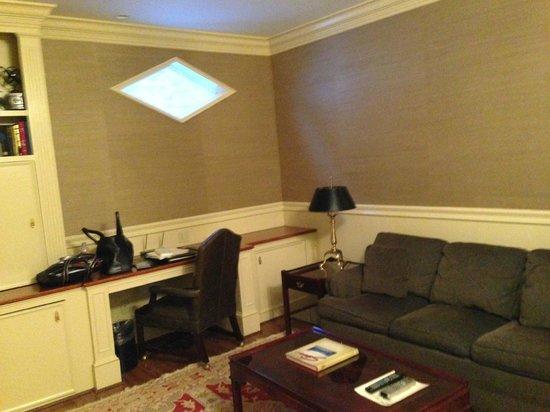 Green Mountain Inn: Office room with skylight