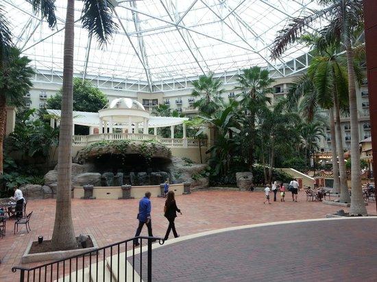 Gaylord Palms Resort & Convention Center: Emerald Plaza facing Wedding Pavilion