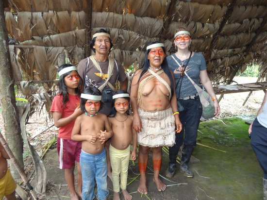 Huaorani Ecolodge: the Wao family greeting us (on the left is Bay, the famous Wao guide)