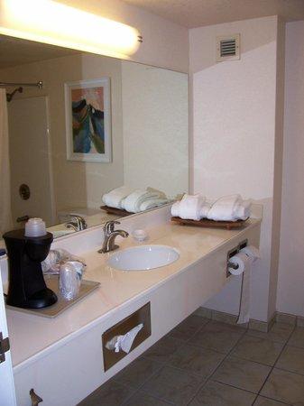 Tropicana Laughlin : Bathroom. has coffee maker.