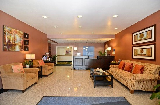 Holiday Inn Express Mira Mesa: Hotel Lobby
