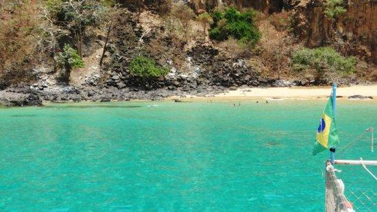 Baia do Sancho: Passeio de barco