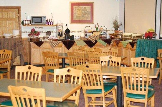 La Quinta Inn & Suites Aberdeen-APG: Breakfast Area