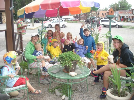 Cafe Ridgway A La Mode: Ice Cream at Cafe Ridgway makes a rainy day brighter!