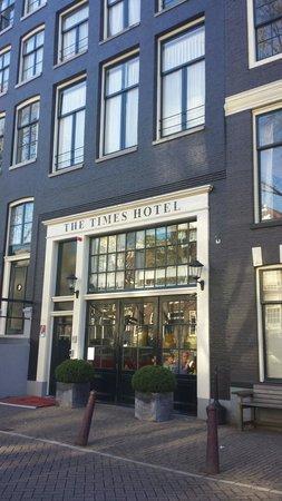 The Times Hotel: Façade