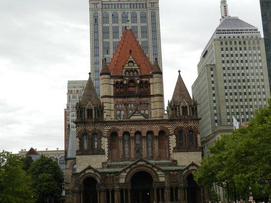 Fairmont Copley Plaza, Boston: Church across the street from hotel