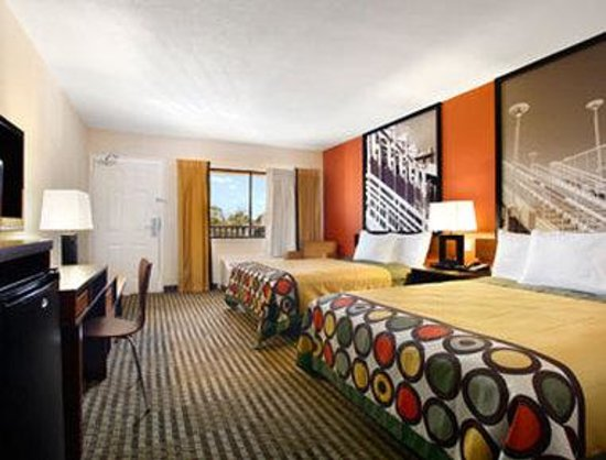 Super 8 Orlando International Drive : Standard Two Double Bed Room