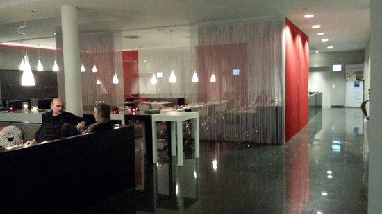 Tryp Berlin Mitte: Bar/restaurant area